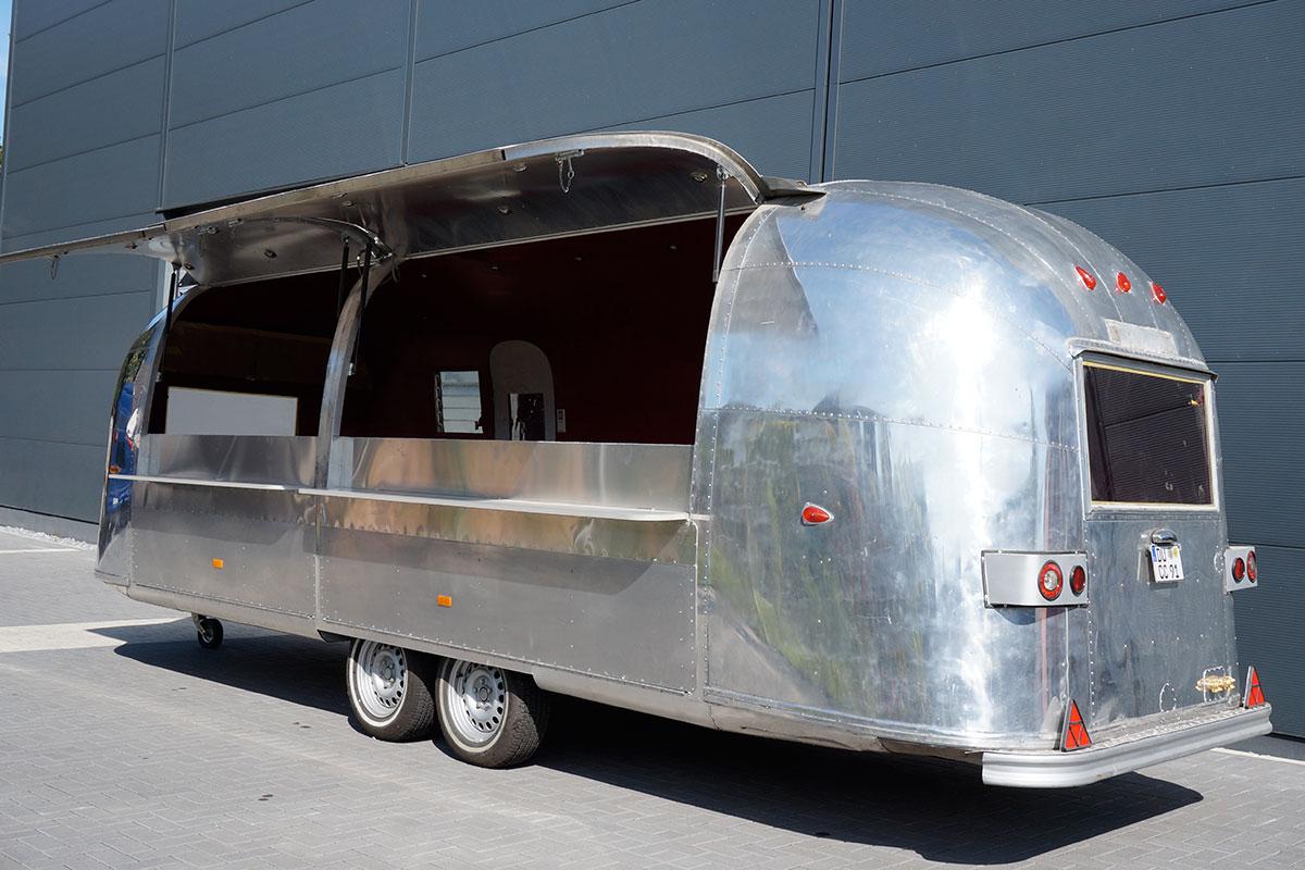airstream cateringmobil classic caravans in duisburg nrw. Black Bedroom Furniture Sets. Home Design Ideas