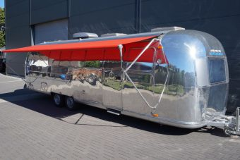 airstream promotionmobile mieten bei classic caravans in duisburg nrw. Black Bedroom Furniture Sets. Home Design Ideas