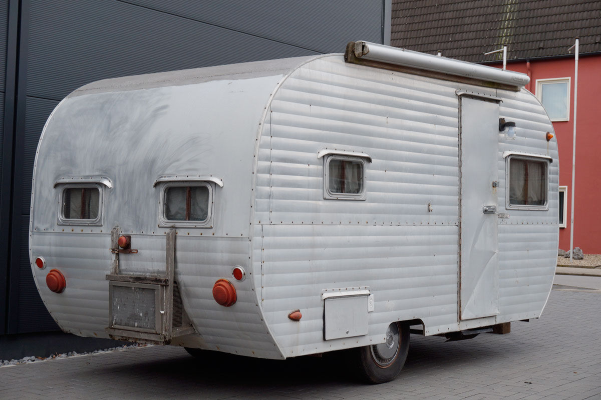 sehr seltener caranaire aluminium wohnwagen baujahr 1959. Black Bedroom Furniture Sets. Home Design Ideas